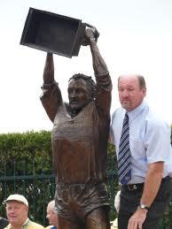 Ray Price Statue