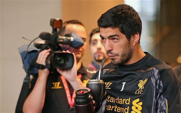 Luis Suarez Drinking Mate'