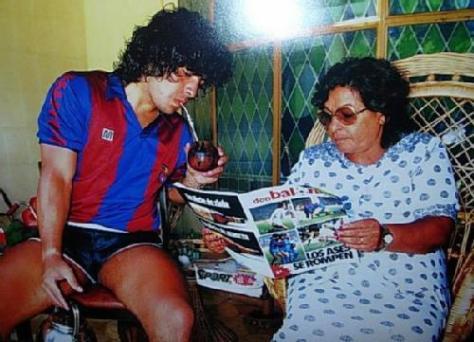 Maradona tomando mate'